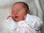 EVELÍNKA ROZMAJZLOVÁ se narodila v pátek 19. května, vážila 3,40 kg a měřila 49 cm. O své první štěstí pečují rodiče Eva a Martin v Příbrami.