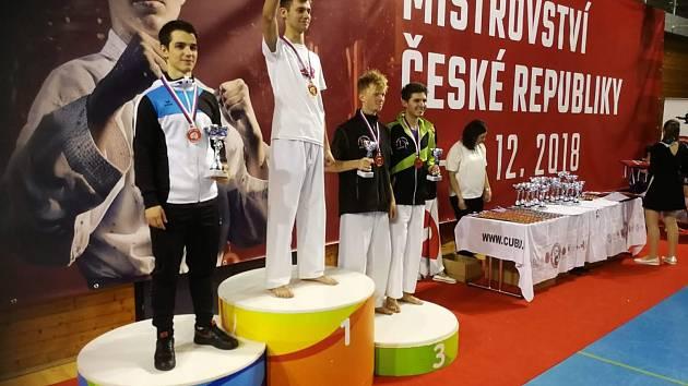 Zisk čtyř bronzových medailí na mistrovství republiky je pro příbramské karate historickým úspěchem.