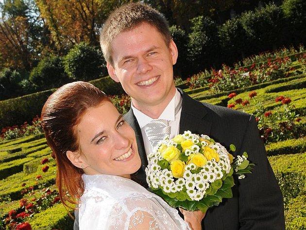 V dobříšském zámku si v sobotu 24. září ve 12.15 hodin dali manželský slib Broňa Burdová a Jakub Tikovský.