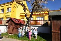 Vítání jara v Mateřské škole Perníková chaloupka v Příbrami.