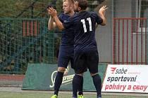 Oslava. Hráči Plzně slaví gól do sítě Příbrami v zápase Superligy malého fotbalu.