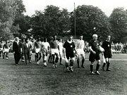 Z historie SK SPARTAK Příbram. Rok 1959. Nástup k utkání s Etiopií.