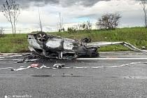Z vážné nehody na D4 nedaleko obce Obořiště 15. května 2021.