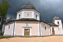 Kostel svaté Barbory v Pročevilech.