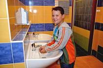 Ve Hvožďanech slavnostně otevřeli zrekonstruovanou školu.
