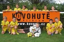 Mladší žáci Kovohutí Příbrami si z mezinárodního turnaje přivezli pohár za druhé místo.