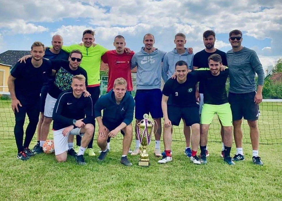 V Rosovicích proběhl první ročník FHS EA Cupu v nohejbale. Zúčastnila se ho také celá řada známých fotbalových tváří.