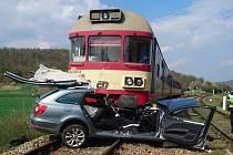 Nehoda se stala v úterý 17. dubna ve 12.33 hodin na železničním přejezdu zabezpečeném světelnou výstražnou signalizací bez závor, která dle šetření Drážní inspekce na místě místě mimořádné události byla v době nehody v činnosti. Při nehodě zemřel řidič os