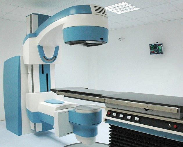 Nový přístroj Terasix v hodnotě 11,5 milionu korun by měl pacientům zajistit kvalitnější léčbu s menšími riziky