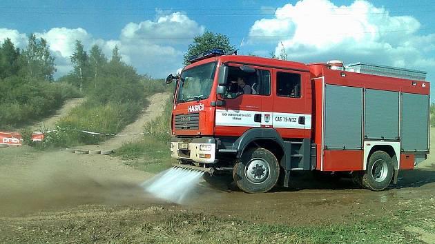 Asistence hasičů u rallye a požár v Pičíně.