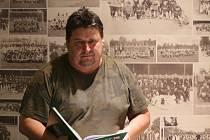 Jan Soukup sbírá důležitá data a statistiky z dobříšského fotbalu