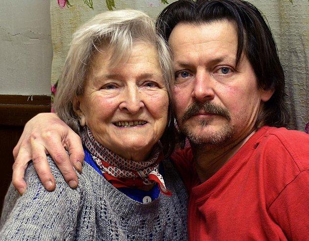 Jan Paul se svoji matkou.