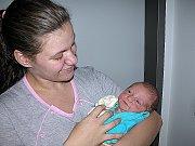 FILIP Kudlačík spatřil poprvé světlo světa ve středu 5. října, vážil 3,13 kg a měřil 51 cm. Útulný domov pro prvorozeného syna připravili v Příbrami maminka Magda a tatínek Filip.
