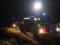 Dobrovolní hasiči z Nového Knína zasahovali v Malé Hraštici.