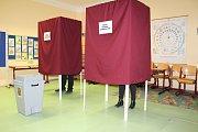 Volby v Jincích překvapily komisi velkou účastí