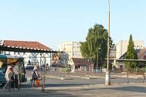 AUTOBUSOVÉ nádraží v Sedlčanech současné podobě není příliš reprezentativní a několik let tu dokonce chybí i veřejné záchodky.