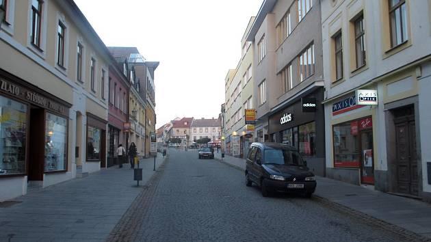 Pražská ulice v Příbrami.