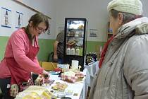 Na jarmarku se v sobotu o školní prostory dělili s učni také prodejci, s nimiž učiliště spolupracuje.
