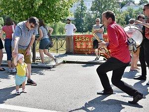 V sobotu 26. května se uskutečnila oblíbená akce Korzo Obora na břehu rybníka, kterou již několik let pořádá Spolek ve čtvrtek.