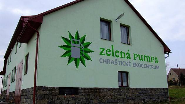 Ekocentrum bylo otevřeno v roce 2007 v Chrašticích.