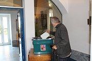 V Kamýku nad Vltavou se volilo v budově Obecního úřadu.