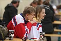 Sledování zápasu mezi Českou republikou a Ruskem v příbramském letním kině v pátek 21. května 2021.