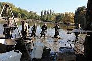 Sobotní výlov Sadoňského rybníku v Romžitále.