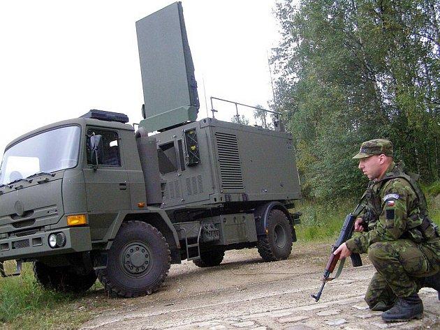Radiolokátor Arthur na podvozku Tatry 813.