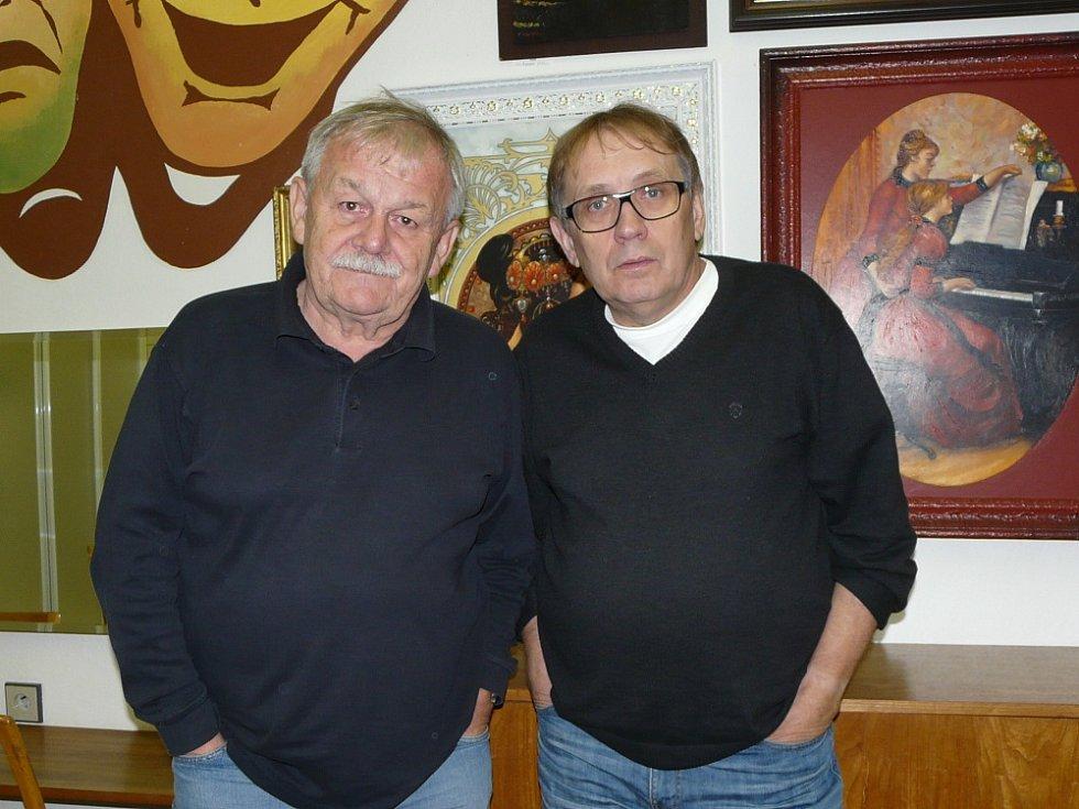 Karel Šíp a Josef Alois Náhlovský v sedlčanském Kulturním domě Josefa Suka.