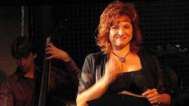 Zpěvačka Elena Sonenshine.