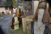 Ten největší betlém ze sena je k vidění od 8. prosince v Čenkově.