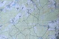 Návrh cyklostezek: Plná čára základní okruhy, přerušovaná nájezdy a výjezdy do obcí.