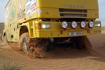 Sedlčanské kamiony si na ostro vyzkoušely podmínky v poušti.