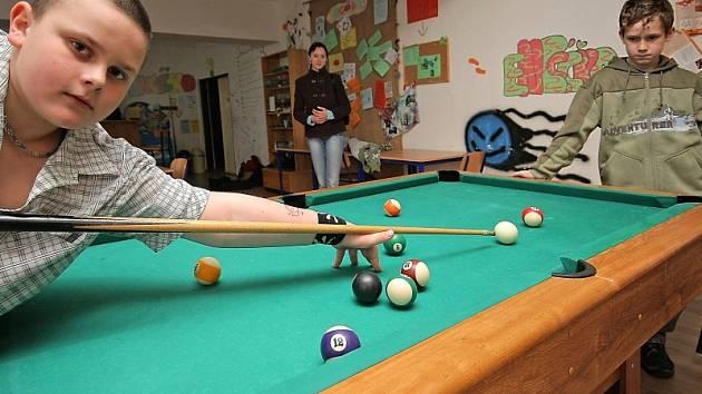 V nízkoprahovém klubu mají návštěvníci možnost se věnovat různorodým aktivitám. Ilustrační foto