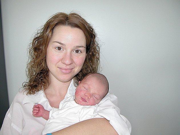 Od pátku 25. prosince mají maminka Petra a tatínek Ivo z Letů u Dobřichovic radost ze synka Matěje Vichera, vážil 3,31 kg a měřil 48 cm. Vyrůstat bude se skoro tříletým bráškou Kubíkem.