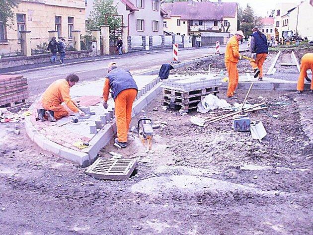 Rekonstrukce parkoviště u zdravotního střediska v Sedlci–Prčici
