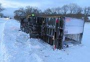 Nehoda 4.1.v katastru Březnice, škoda 100 tisíc korun.
