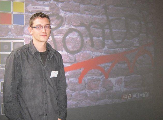 Jakub Václavů je ředitelem Pontonu a má na starosti nízkoprahové zařízení Bedna v Příbrami.