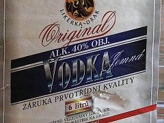 Alkohol, který policie spojovala s otravou. Ilustrační foto.