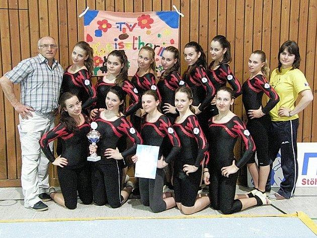 TeamGym Sokol Příbram, kat. II. na závodech v Německu.