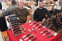 V Příbrami se o víkendu konala tradiční výstava nožů a chladných zbraní.