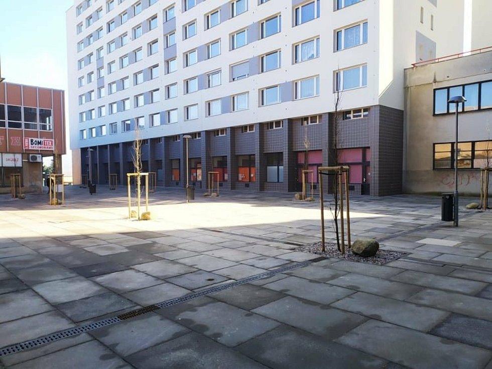 Rekonstrukce pěší zóny Cíl, známější jako Křižáky, se podle obyvatel Příbrami příliš nepovedla.