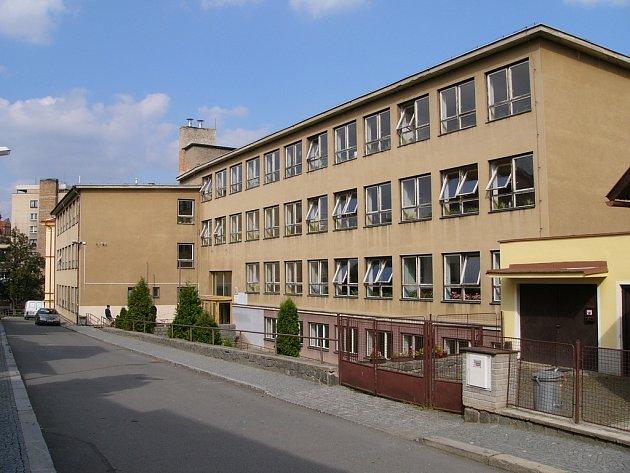 Budova 1. základní školy Sedlčany před rekonstrukcí