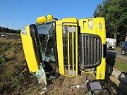 Pondělní nehoda kamionu u Hájů.