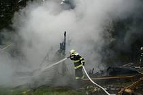 Požár v objektu dětského tábora u Obecnice.