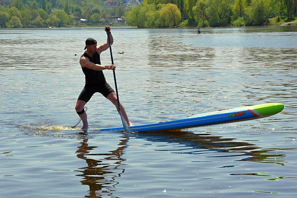 Bezpečnostní kampaň Na vodě nejsi nikdy sám, kterou připravila Státní plavební správa.