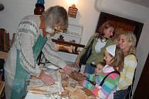 V Hornickém domku mohou návštěvníci vidět staročeské zvyky a řemesla.