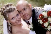 Kateřina Valentová a Lukáš Poledník si navlékli snubní prstýnky v pátek 21. září na Zámečku v Příbrami.