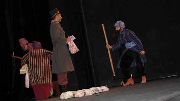 Představení Tři veteráni v příbramském divadle