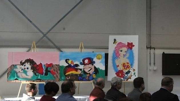 Odsouzení pro léčebnu namalovali necelou desítku obrazů.